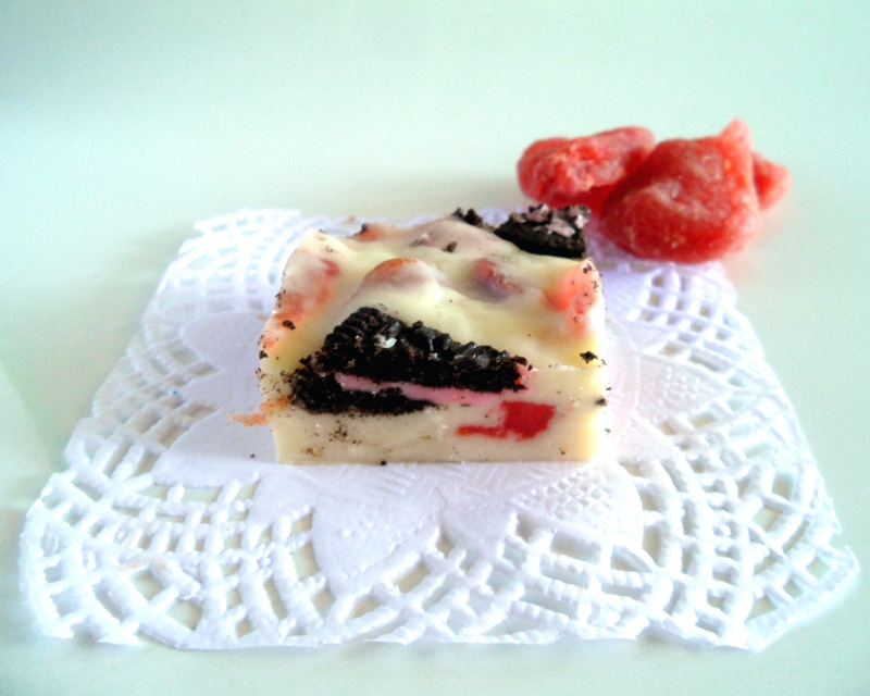 Oreo Strawberry White Chocolate